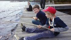 Kalajuttuja laiturilla