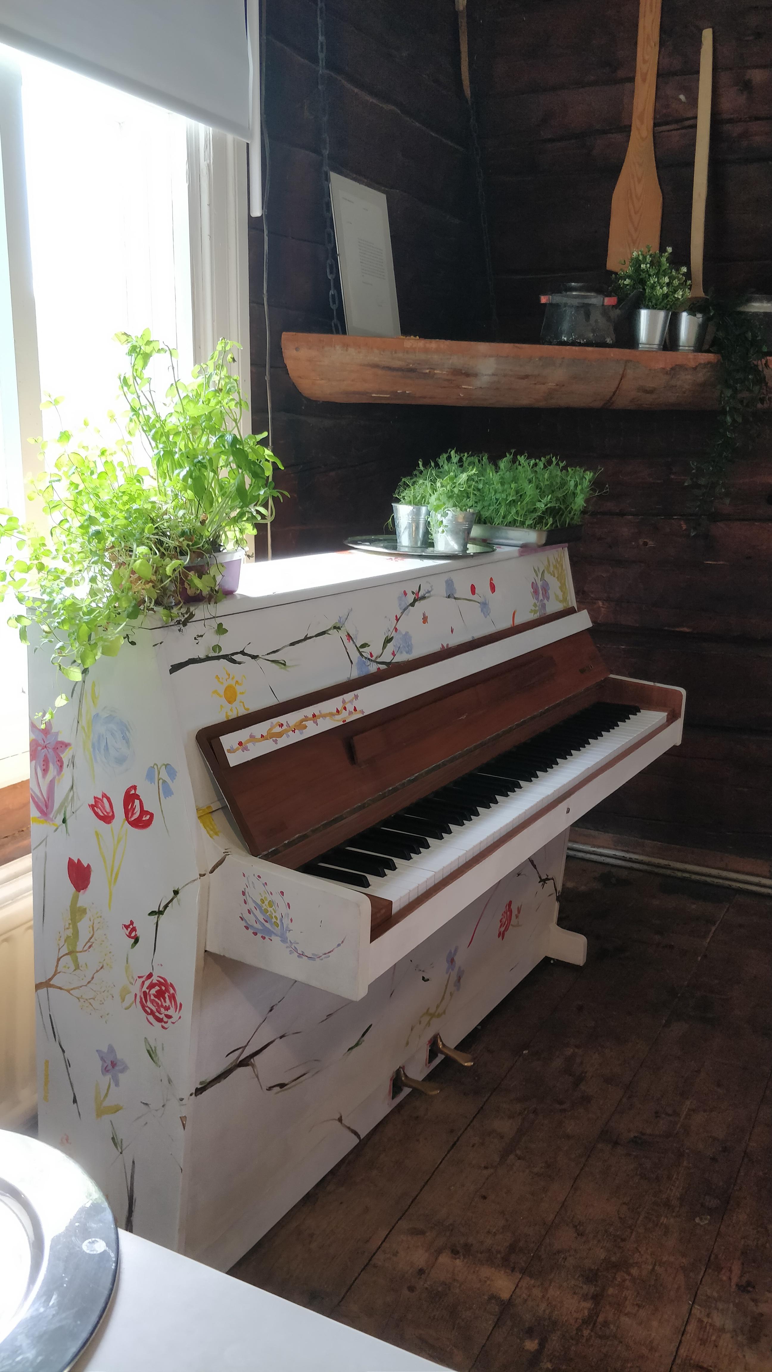 Ruokalan piano
